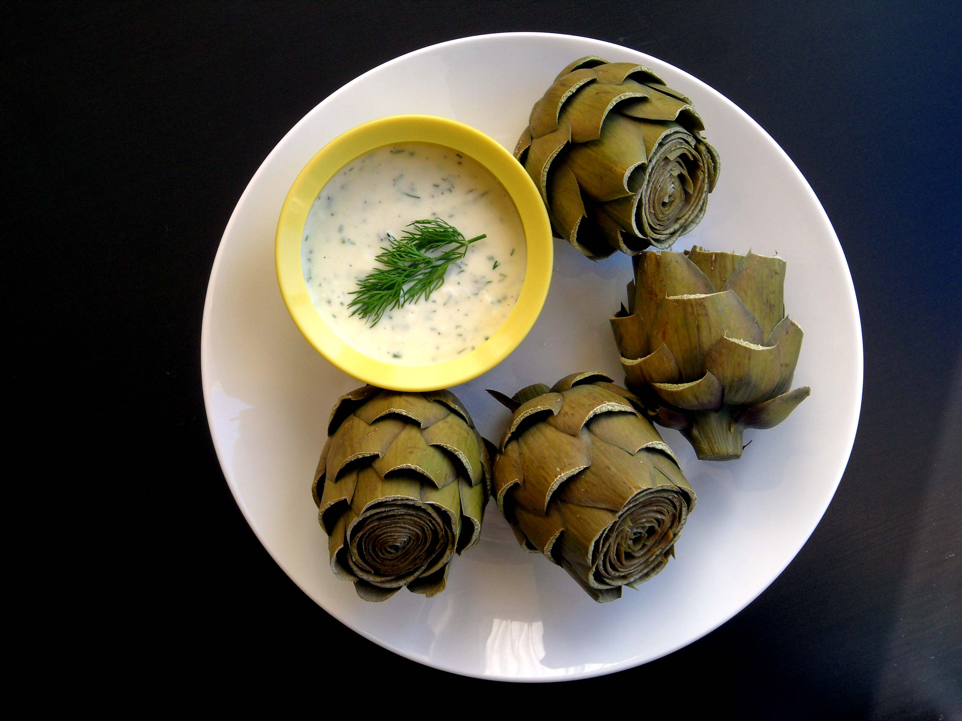 Steamed Artichokes with Lemon Dill Sauce ( printer-friendly version )