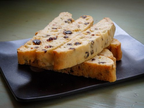 biscotti-meyer-rosemary-currant-pinenut