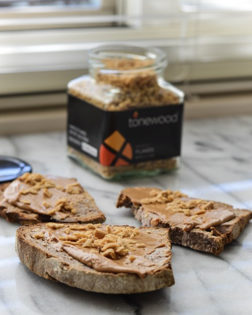 tonewood-maple-flakes-on-walnut-bread-with-peanut-butter